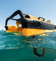 Pirates du Plastique au Frioul - ramassage de déchets flottants by IADYS