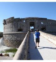 Collecte déchets sauvages – World Clean Up Day - Tour Royale à Toulon